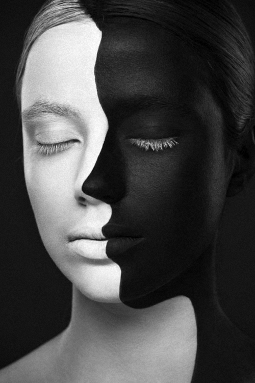 10-Alexander-Khokhlov-Black-&-White-Face-Painting-Photography