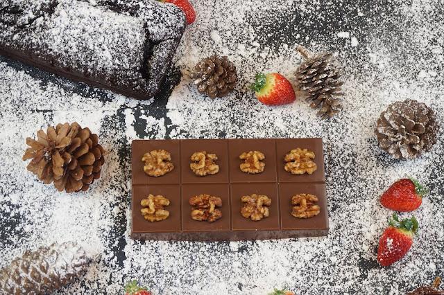 turrón de tarta de chocolate con nueces caramelizadas
