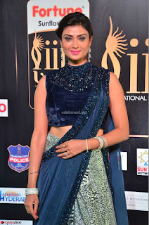 Ishita Vyas in Velvet Sleeveless Choli Designer Saree at IIFA Utsavam Awards 2017  Day 2  HD Exclusive 14.JPG