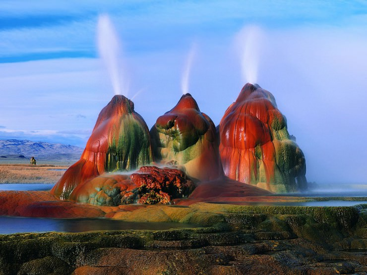 3. The Fly Geyser, Nevada, USA - Top 10 Enigmatic Places