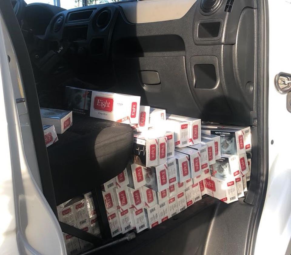 Foi registrado um boletim de ocorrência de contrabando e o veículo,  juntamente com a carga, foram encaminhados à Polícia Federal de Marília  (SP). d2038d370a