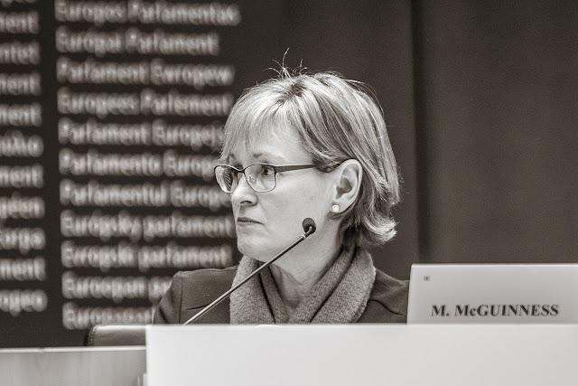 Mairead McGuinness - Parlement européen - Portrait by Ben Heine