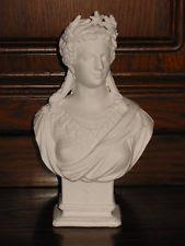 Marianne coiffée d'une couronne d'épis à étoile, symboles d'une République modérée