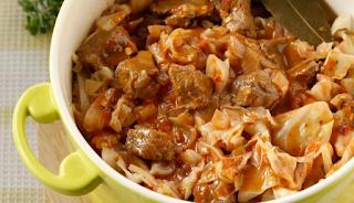 Λάχανο κοκκινιστό στην κατσαρόλα με μοσχαράκι και μπαχαρικά – γιορτινό φαγητό