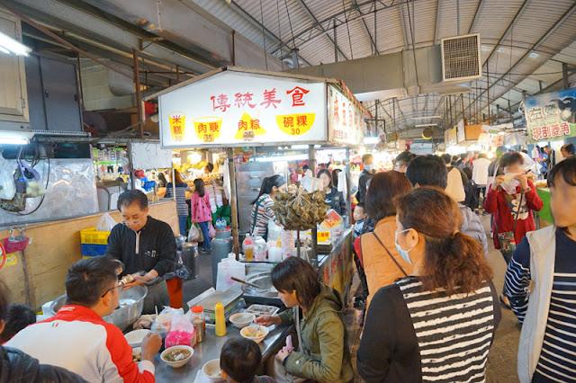 DSC08477 - 台中黃昏市場│佔地超大攤位超多的新光黃昏市場,比夜市還要好逛