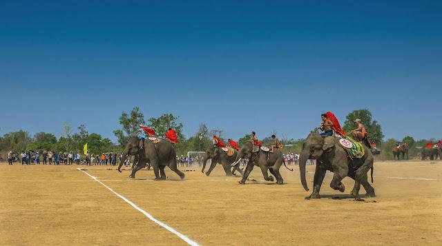 Lễ hội đua voi ở Buôn Đôn - Ảnh: Son Nguyen