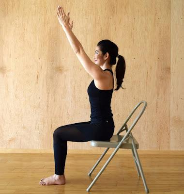 Tư thế Yoga chào mặt trời- với ghế