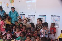 Rini Soemarno Resmikan Penitipan Anak di Pasar Doyo Sentani