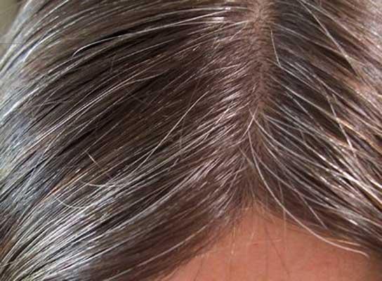 Comment retrouver une couleur de cheveux naturelle