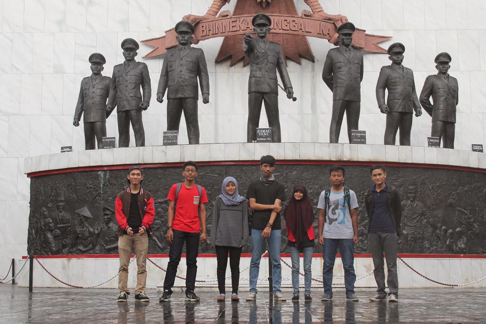 Amazing Blue Trip To Monumen Pancasila Sakti