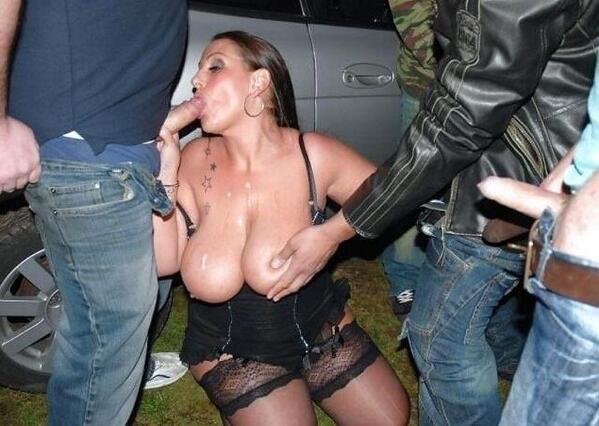 тысячи русская проститутка отсосала на улице женских организаций левого