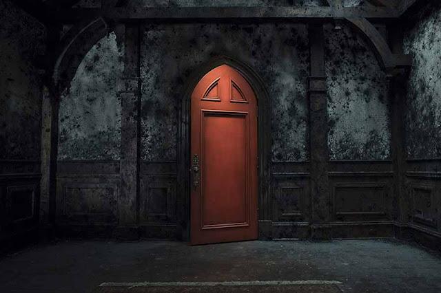 مراجعة مسلسل The Haunting Of Hill House.. حكاية المنزل المسكون ما بين الماضي والحاضر  دعنا نتعرّف على خبايا الماضي لنقضي على أشباح الحاضر