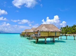 Ini 7 Kebiasaan Jelek Turis yang Dibenci Oleh Warga Lokal