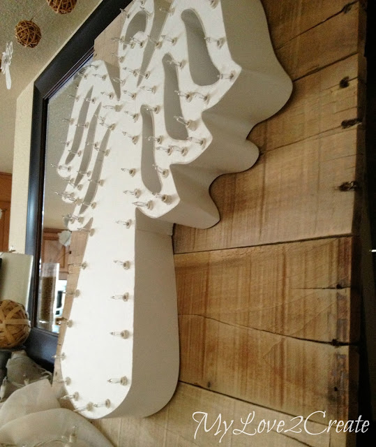 MyLove2Create, White and Natural Christmas Mantle