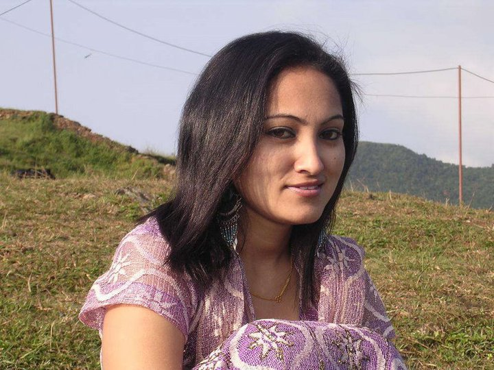 Cute Beautiful Pakistani Teen Desi Fashionable Girl Photos -7555