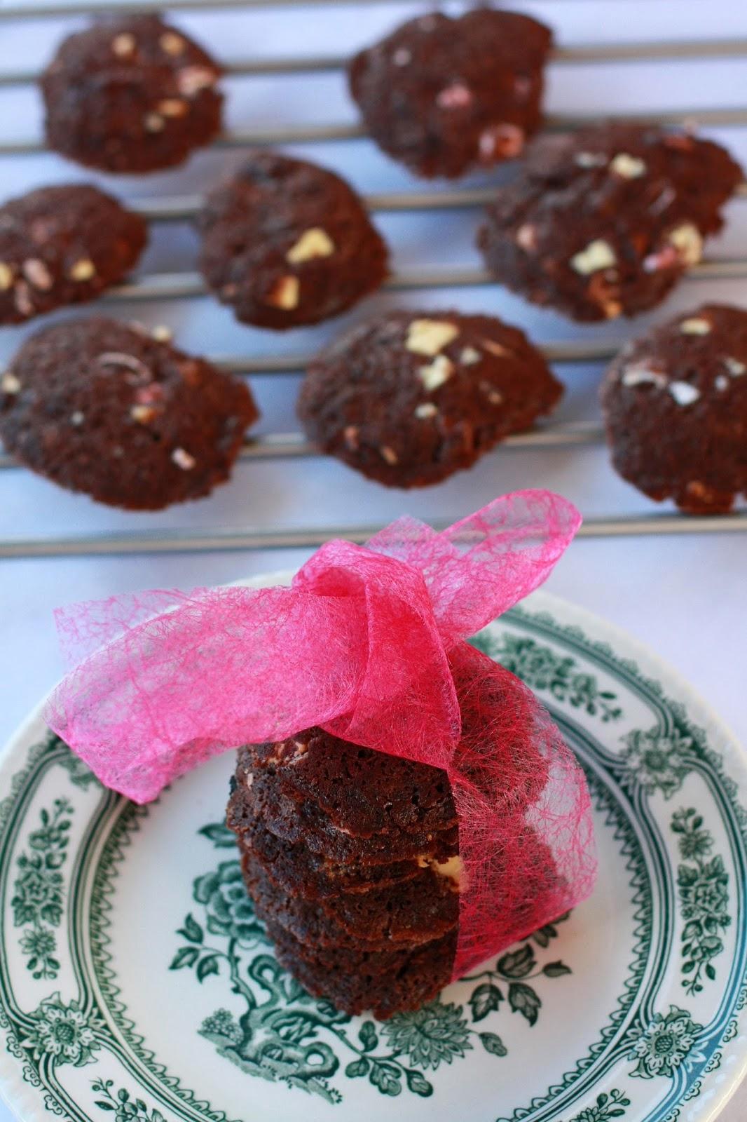 neljän suklaan suklaacookiet suklaakeksit keksi pikkuleipä cookie suklaa mallaspulla leivonta resepti