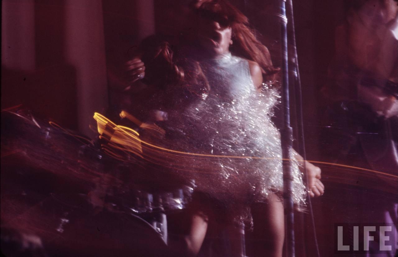 Rare Photographs Of Tina Turner On Stage Taken By Gjon