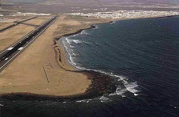 Varios vuelos sin poder aterrizar en Lanzarote por baja visibilidad