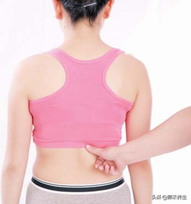 脾虛腹脹胃口不好,按摩2個特效穴位5分鐘補氣脾健助運和胃吃飯香(消化好)