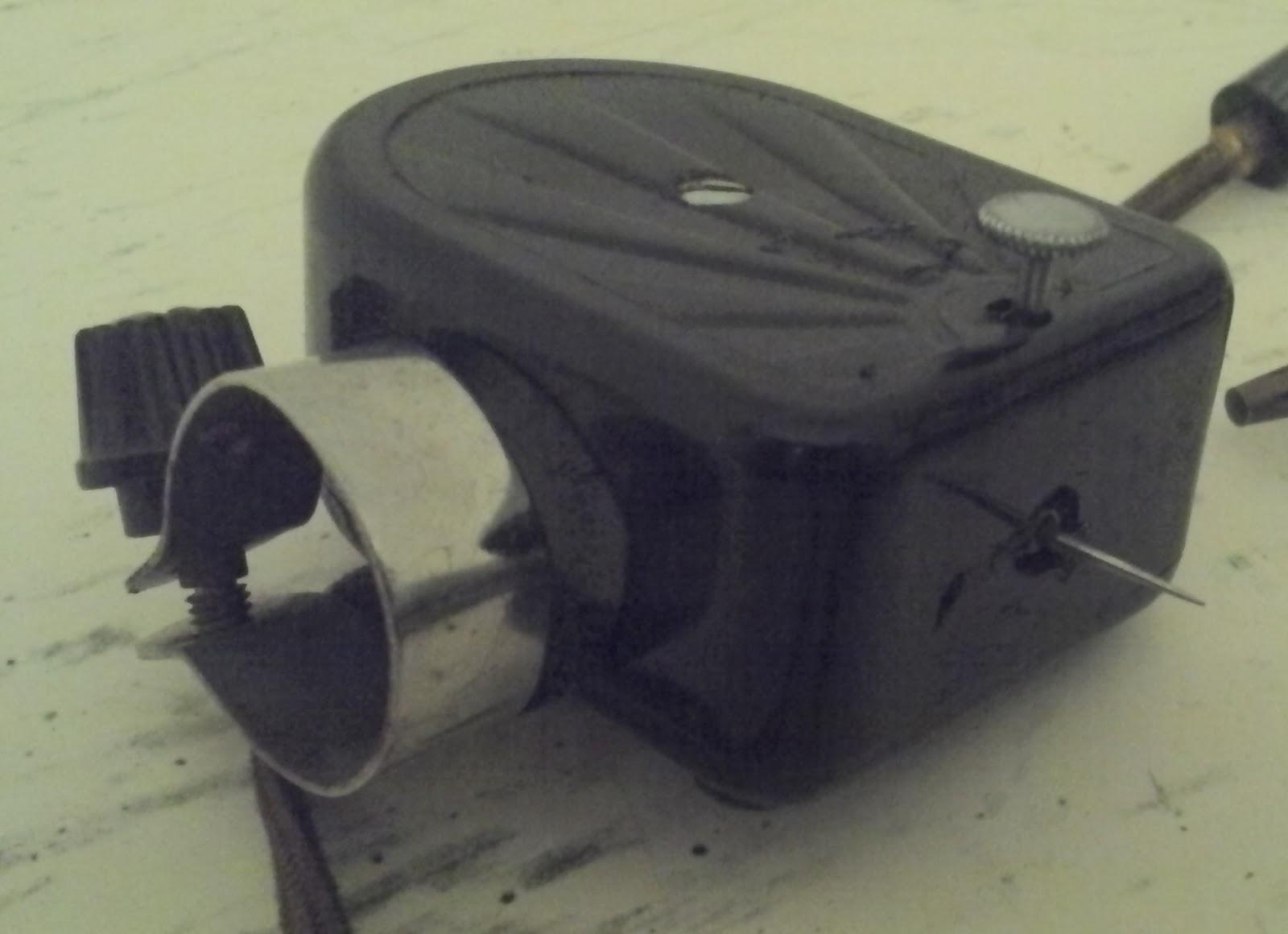 ancien adaptateur bakelite reproducteur gramophone tete de reproduction. Black Bedroom Furniture Sets. Home Design Ideas