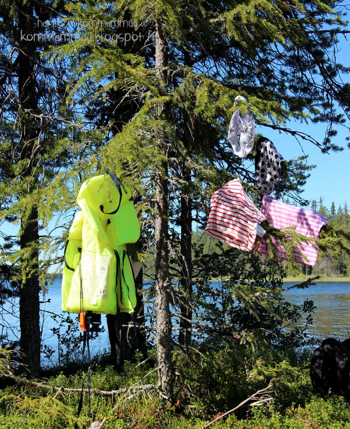 uinti särkkä vaatteet kuivuu puussa