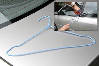 Comment utiliser un Slim Jim pour déverrouiller la porte de voiture
