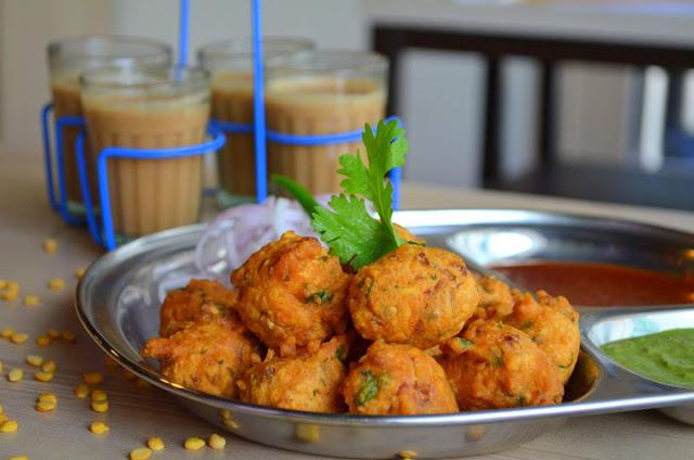 Delicious Hot Pakoras & Chai