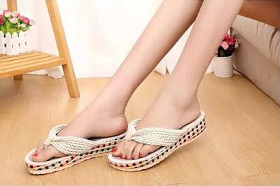 Model Sandal Wanita Untuk Rekreasi Terbaru