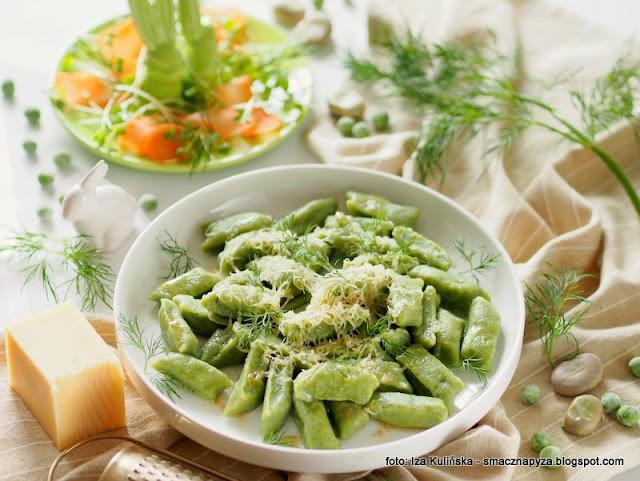 zielone kluski, kluseczki warzywne, kopytka z bobu, bob, groszek zielony, warzywa mrozone, mrozonki, kopytka bez ziemniakow
