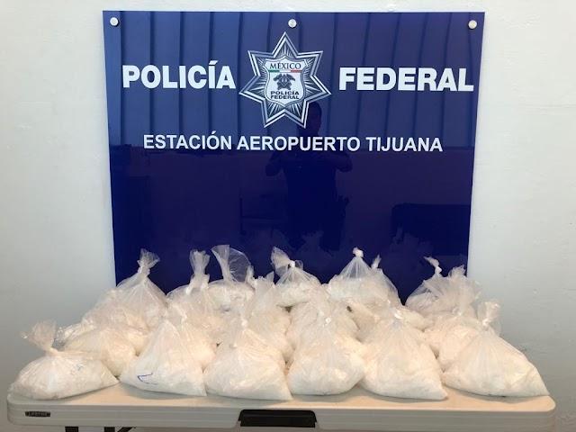 EN CARRETERA FEDERAL DE TIJUANA, POLICÍA FEDERAL ASEGURA MÁS DE 20 KILOS DE APARENTE CRYSTAL