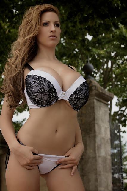 sexiest-Jordan-Carver-Fairy-Tale-hot-photo-shoot-picture-25