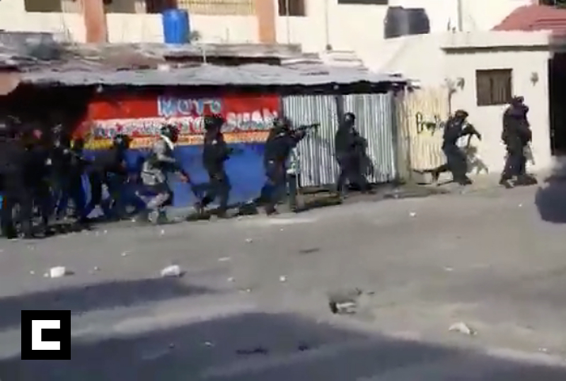 Video: Gran enfrentamiento entre policías y manifestantes en SFM