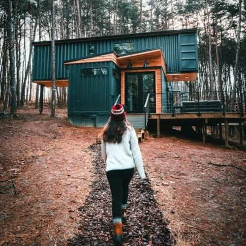13-Path-to-the-Entrance-The-Box-Hop-Container-Cabin-Architecture-www-designstack-co