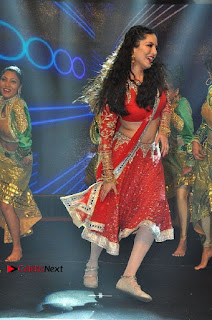 Bollywood Actress Model Sunny Leone Dance Performance in Red Half Saree at Rogue Audio Launch 13 March 2017  0018.jpg
