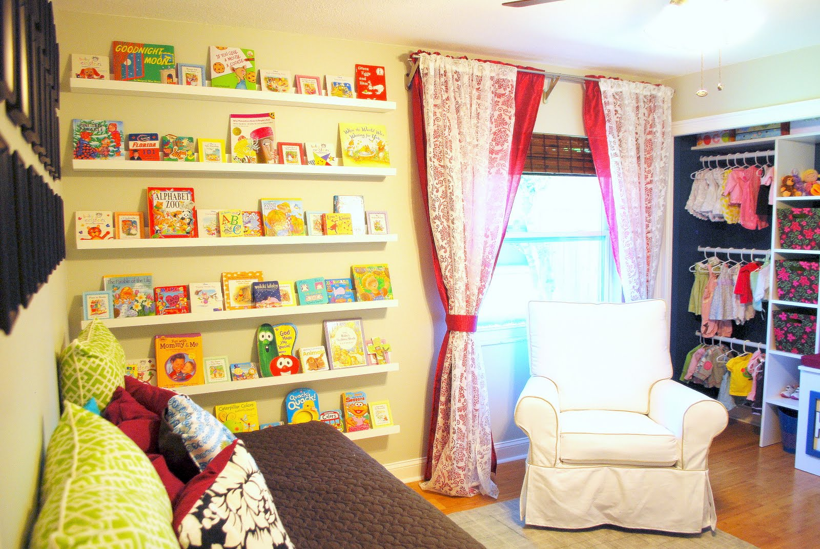 Kids Craft Room Ideas: Great Ideas -- Decorating Solutions {4}