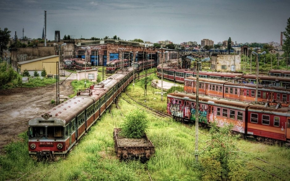 Czestochowa, Poland's abandoned train depot - 30 Abandoned Places that Look Truly Beautiful