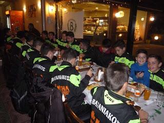 Ευχάριστη έκπληξη για τους μικρούς ποδοσφαιριστές του ΑΜΣ ΒΑΤΑΝΙΑΚΟΥ
