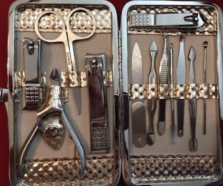 Women's Nail Grooming Kit