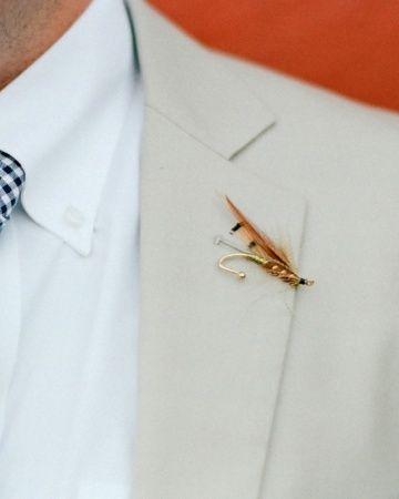 Prendido con anzuelo y pluma para los amantes de la persca