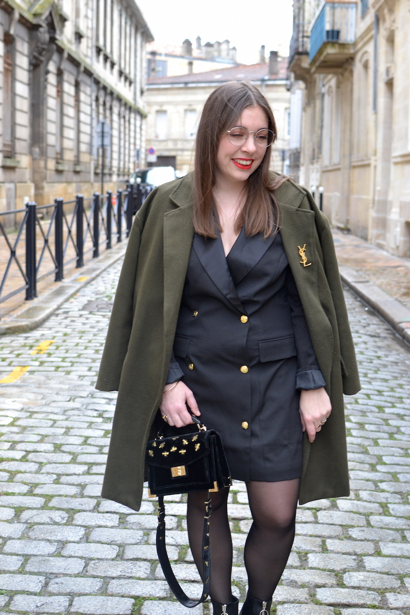 robe blazer noir Missguided, manteau kaki Sheinside, sac The Kooples
