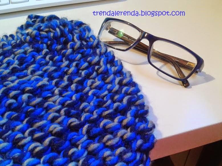 Gorro de lana o bufanda de lana... ¿qué será, qué será? Azul klein para el 2015