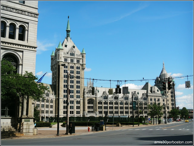 SUNY System Administration Building, D&H Plaza en Albany.