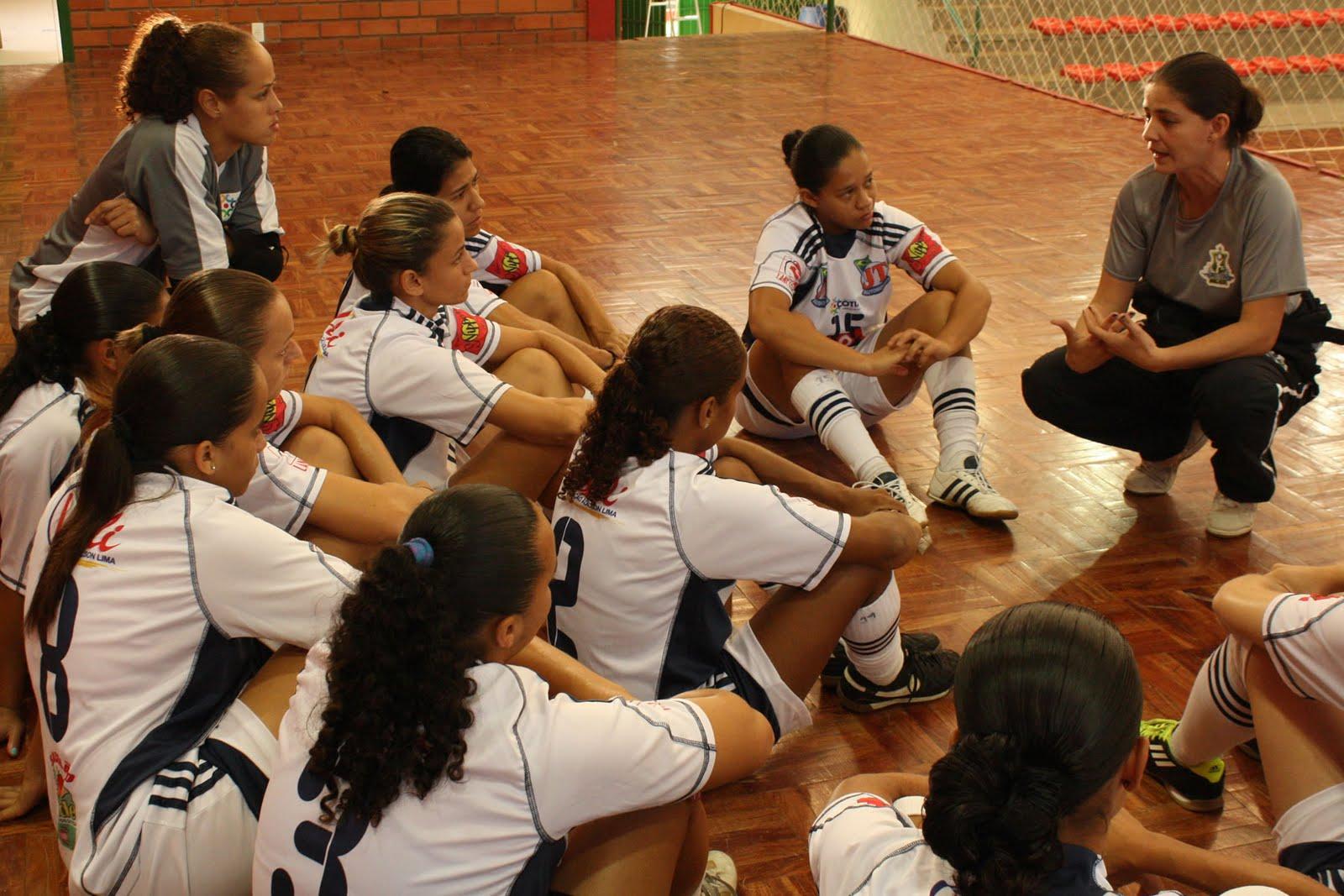 A Kurdana Cotia (SP) já está na cidade de Caçador (SC) para a sua primeira  participação na Liga Futsal Feminina. As paulistas viajaram no domingo ... ffde62cf95b27