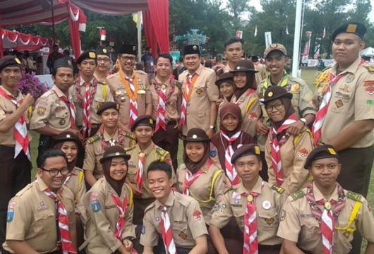 Gubernur Irwan Prayitno Terima Penghargaan Lencana Melati