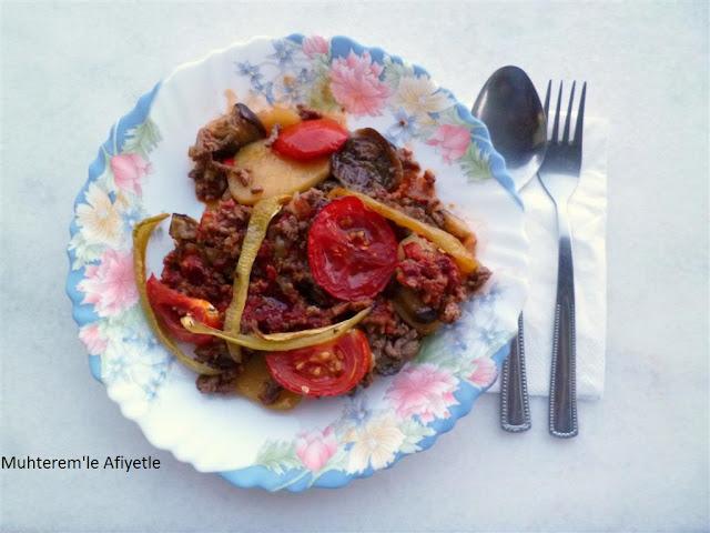 patlıcan musakka nasıl yapılır?