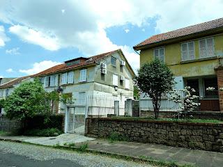 Prédio com Sotão, Rua Nova Prata - Vila IAPI, Porto Alegre