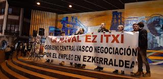 Manifestación en defensa de La Naval