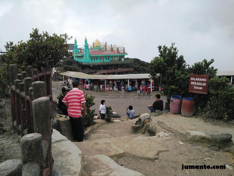 foto masjid tangkuban perahu