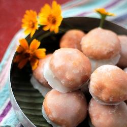 Flaky Sugar Glazed South Indian Doughnut Holes Spiced with Cardamom Saatu