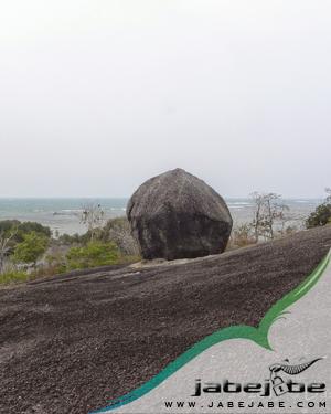 Batu Buyong Belitung Timur